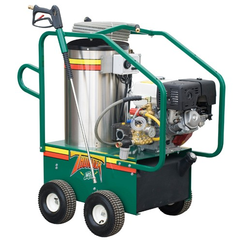 Gas engine or diesel pressure washers of the Thunder series come with a well-designed cage frame that protects all the mechanical components, while providing free access for maintenance.